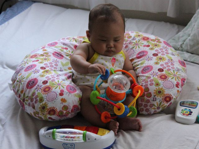 Infantino Activity Ball - Baby Product Review